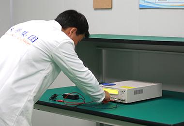 操作绝缘电阻测试仪