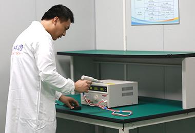 操作耐压测试仪